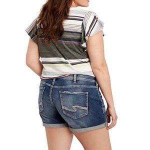 Silver Jeans Shorts - ➕ PLUS 22 SILVER Sam Boyfriend Destroyed Boyfriend